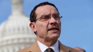 Former DC Mayor Gray Running for Ward 7 Seat