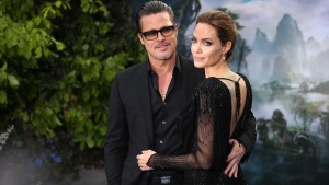 Celebrity Hookups: Jolie, Pitt Tie the Knot