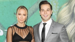 Pitch Perfect's Anna Camp and Skylar Astin Split