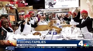 Volunteers Prep Thousands of Thanksgiving Dinners
