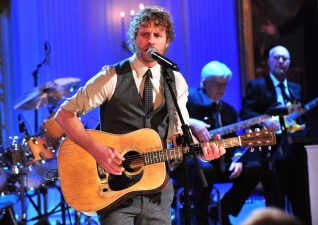 Dierks Bentley To Perform at Nats Park