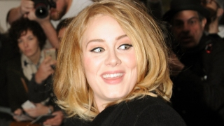 Adele's 'Hello' Is 1st Song to Sell 1 Million in a Week