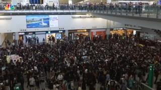 [NATL] Protesters Occupy Hong Kong International Airport