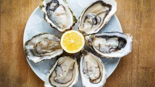 Spring OysterFest Means Seafood, Music and Plenty of Wine Tastings