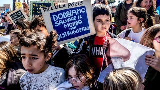 'Fridays for Future': Students Strike for Action on Climate Change in Over 100 Countries