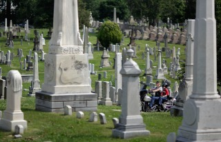 D.C. Cemetery Hosting Pre-Halloween Twilight Tours