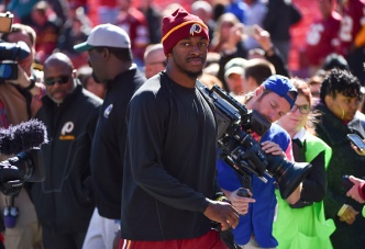 Redskins' Robert Griffin III Speaks on Unity, Leadership