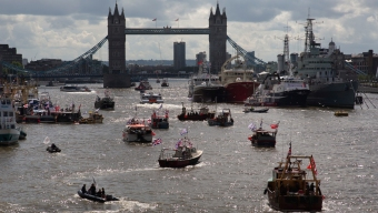 Brexit Battle: Flotillas Face Off in the Heart of London