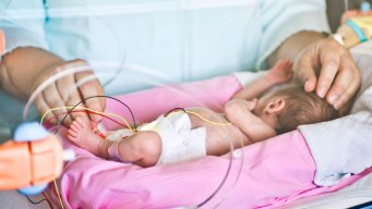 Clothes Carry Germs Into Newborn ICU: Study
