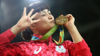 Japanese Wrestler Becomes 1st to Win 4 Golds