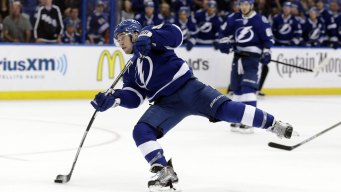 Lightning Beats Red Wings in Game 2 of Playoffs