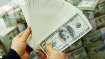 Survey: This Is What Americans Consider to Be 'Wealthy'