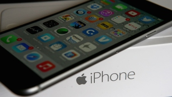Apple Celebrates Sale of 1 Billionth iPhone