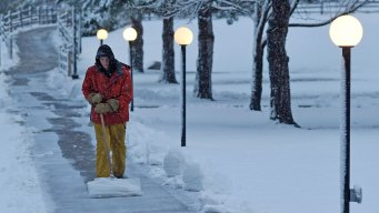 4 Tips for Shoveling Your Snow Properly