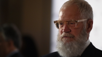 David Letterman Wins Major Comedy Award, Talks Politics