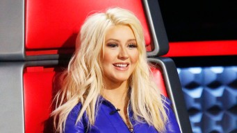 Aguilera Supports Shelton, Stefani Relationship