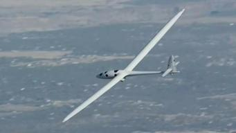 Pilot Hopes to Set World Record for Air-Gliding