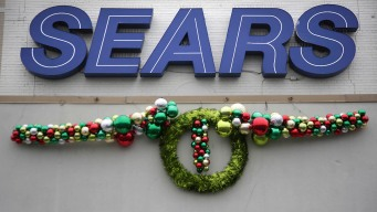 Season's Greetings at Sears: Dingy Shops, Sparse Shelves