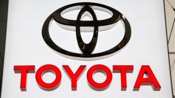 Toyota Dealers Offer Incentives for Replacing Air Bags
