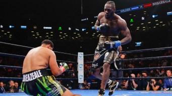 Wilder KOs Breazeale in 1st Round to Defend Heavyweight Belt