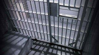 Man Breaks Deputy's Leg In Attempt to Escape Court: Police
