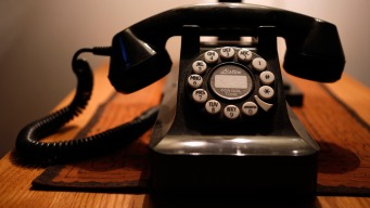 Americans Hang Up on Landlines as Cellphone Homes Dominate