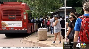Metro Riders Forced on Shuttles After Train Derailment