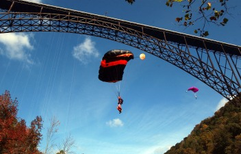 BASE-Jump at the New River Gorge