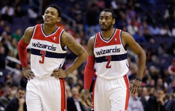 Wiz Win Despite Wall, Beal Struggles