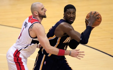 Resurgent Hibbert Roadblock For Wizards