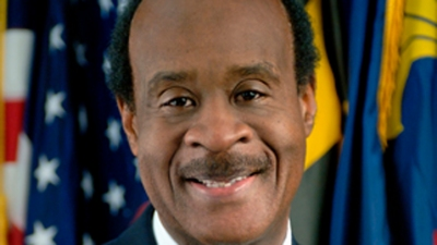 Leggett Announces Bid for 3rd Term