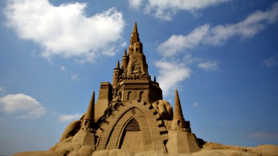 Watch the World's Best Sand Sculptors at Work