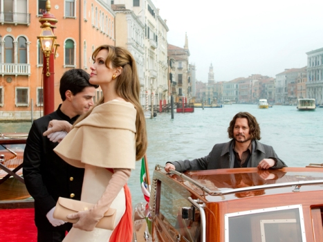 "Review: ""The Tourist"" Is a Better Trip Than You Think"