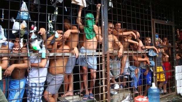 MS-13 Members Still Pledge Gang Ties in Salvadoran Prison