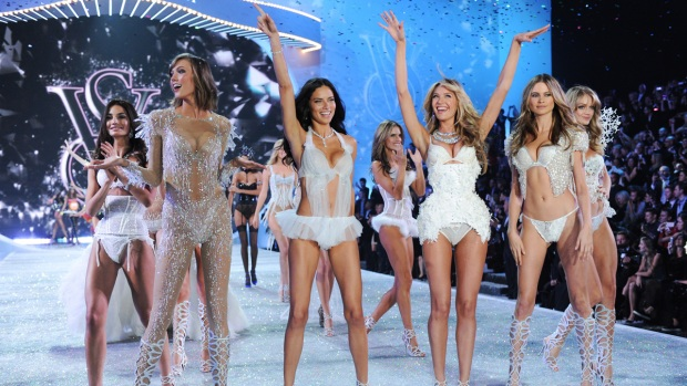 [NATL] 2013 Victoria's Secret Fashion Show