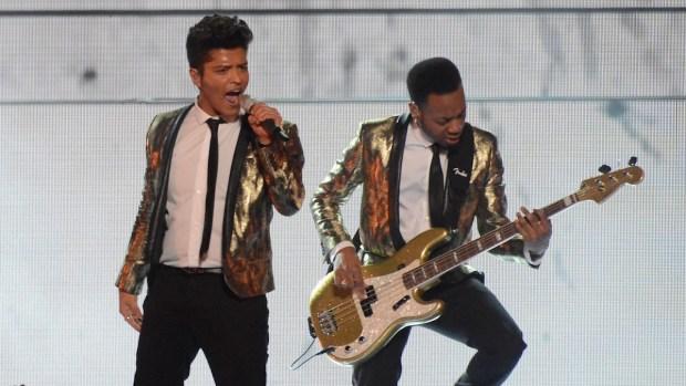 [NATL] Bruno Mars Rocks Super Bowl Halftime Show