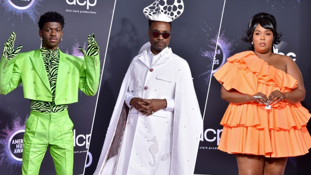 [NATL] Best of the American Music Awards Red Carpet Fashion in Pictures