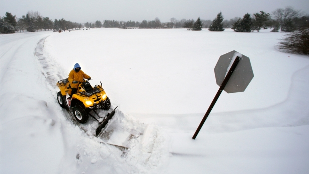[NATL] Dramatic Photos: Massive Blizzard Slams Northeast