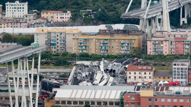 [NATL] Highway Bridge in Italy Collapses in Storm, Killing at Least 25