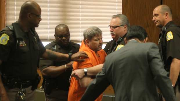 [NATL] Kalamazoo Shooting Suspect Dragged From Court After Outburst
