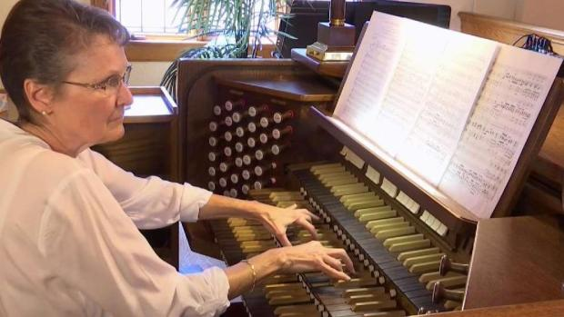 [DC] Alexandria Church Gets Pipe Organ Transplant