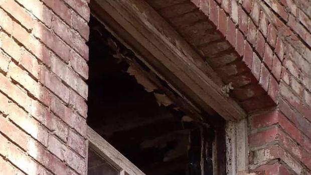 [DC] Couple Wants Argentina Government to Fix Dilapidated DC House