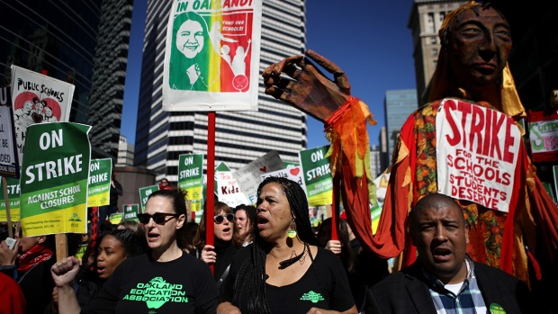 Top News Photos: Oakland Teachers on Strike