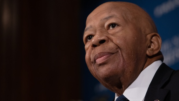 [NATL] Rep. Elijah Cummings, House Oversight Chairman, Dies at 68