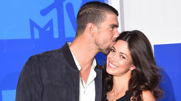 Celeb Hookups: Michael Phelps and Nicole Johnson