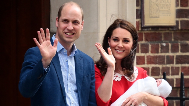 Top Celeb Photos: Kate and William Welcome 3rd Royal Baby