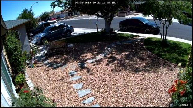 [NATL-LA] Watch: July 4 Quake Jostles Parked Cars Around in Ridgecrest