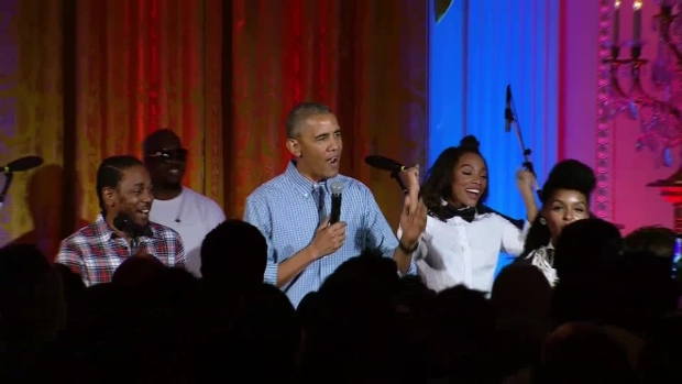 [NATL] Obama Sings Happy Birthday to Daughter Malia