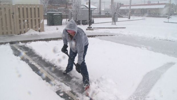 [NATL] How to Shovel Safely and Other Tips for the Cold
