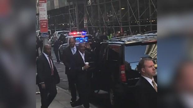 [NATL] Obama Draws Crowd in New York